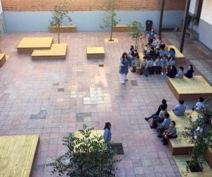 Patio escolar, patio infantil, playground, patio vivo, educación, arquitectura